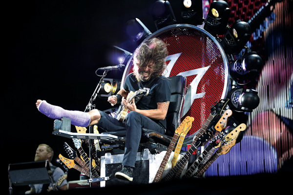 The Foo Fighters' Dave Grohl performs at RFK Stadium on Saturday, July 4, 2015, in Washington. (Photo by Nick Wass/Invision/AP)